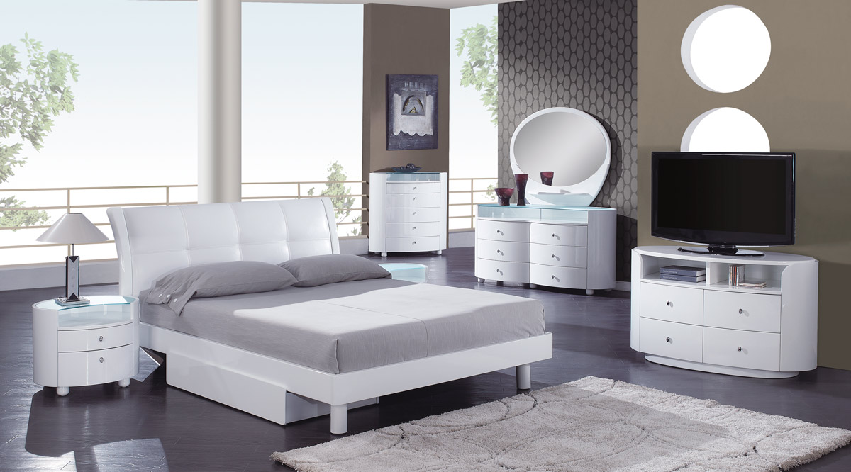 Global Furniture USA Evelyn Dresser - White