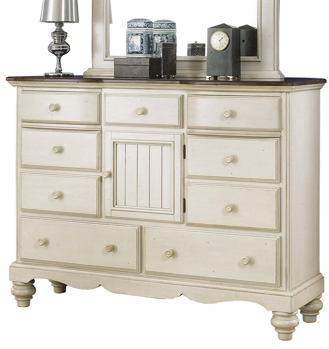 Hillsdale Pine Island Mule Dresser - Old White