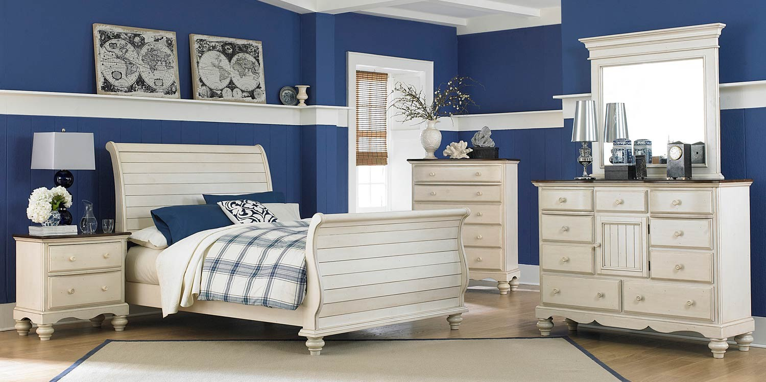 Hillsdale Pine Island Sleigh Bedroom Set - Old White