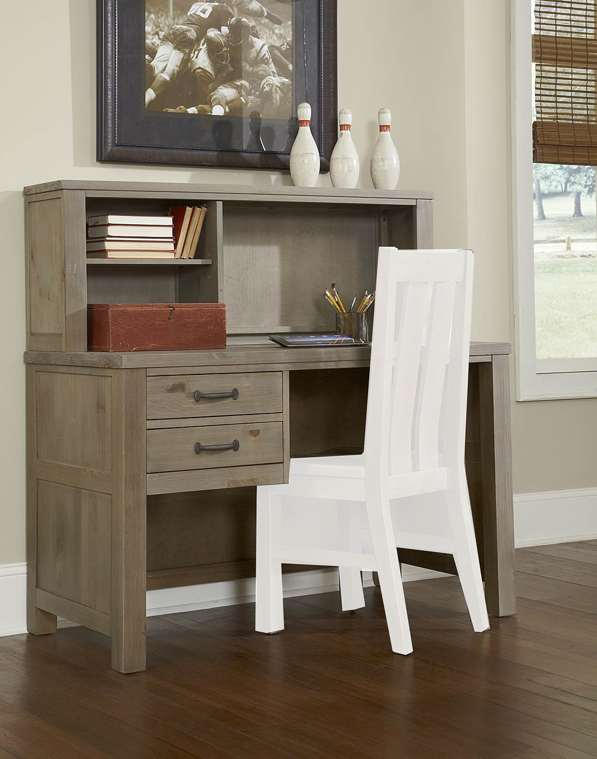 NE Kids Highlands Desk with Hutch - Driftwood