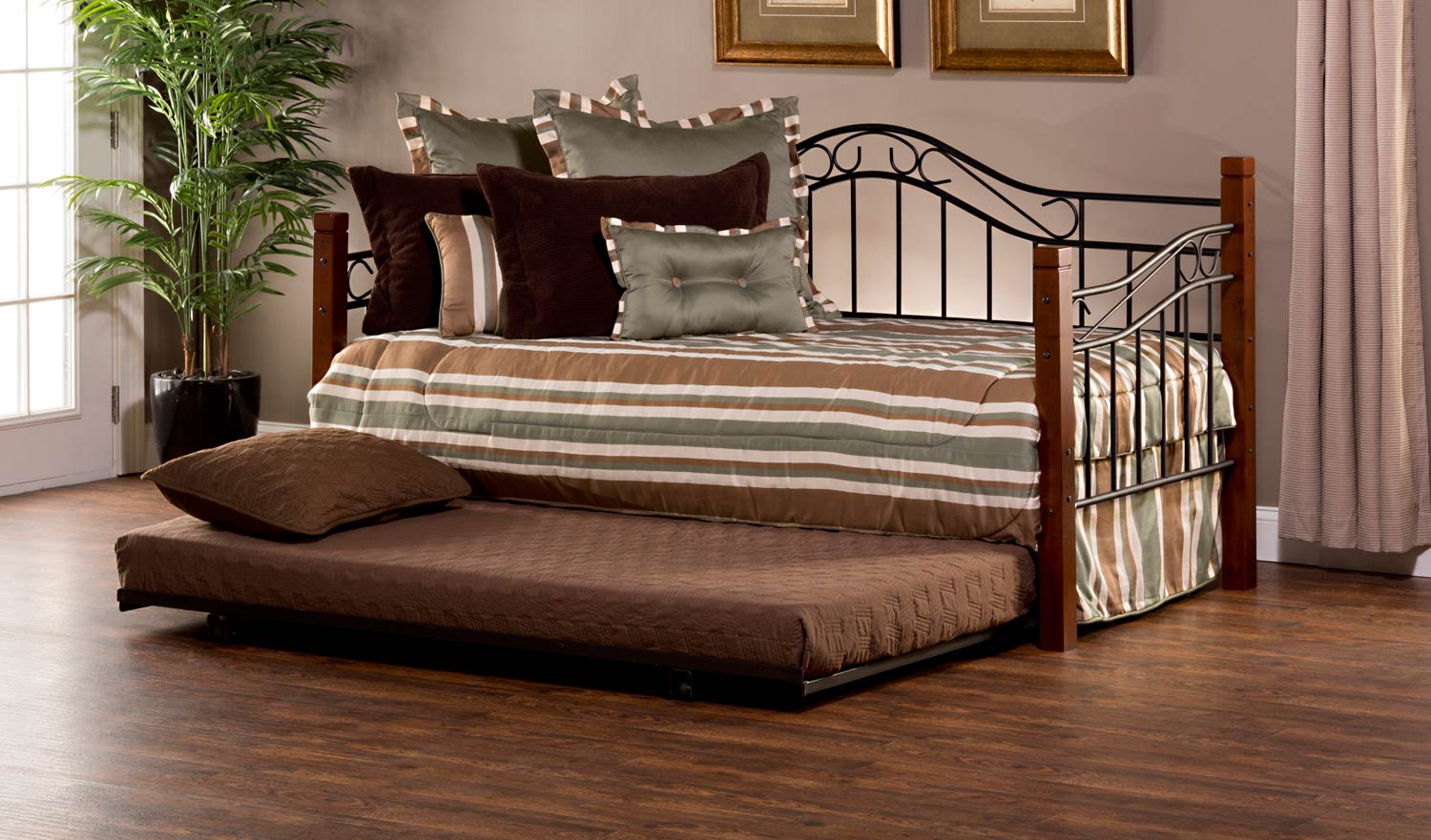 Hillsdale Matson Daybed with Suspension Deck and Trundle - Cherry/Black