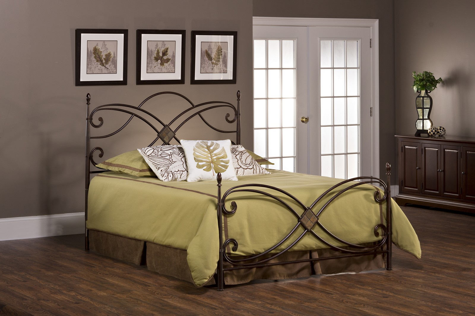Hillsdale Barcelona Bed - Antique Copper