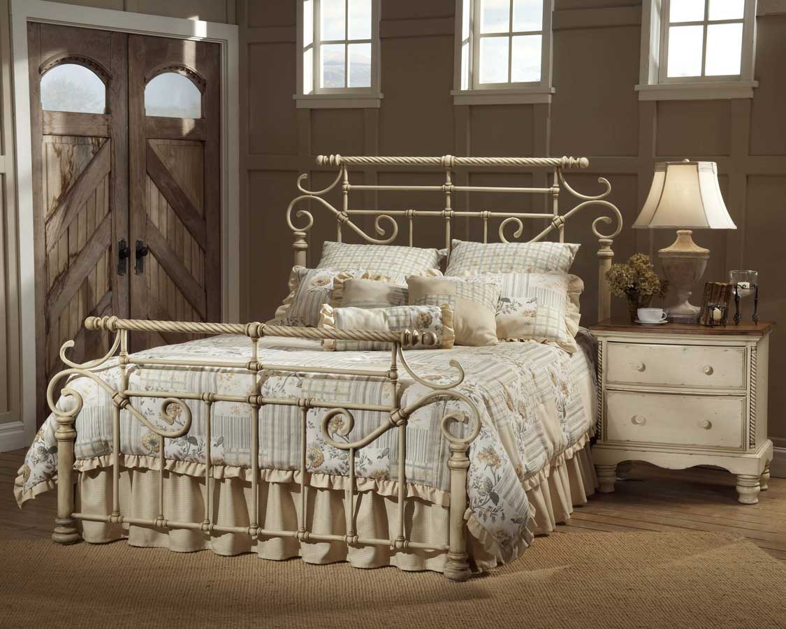 Hillsdale Wilshire Metal Bed - Antique White