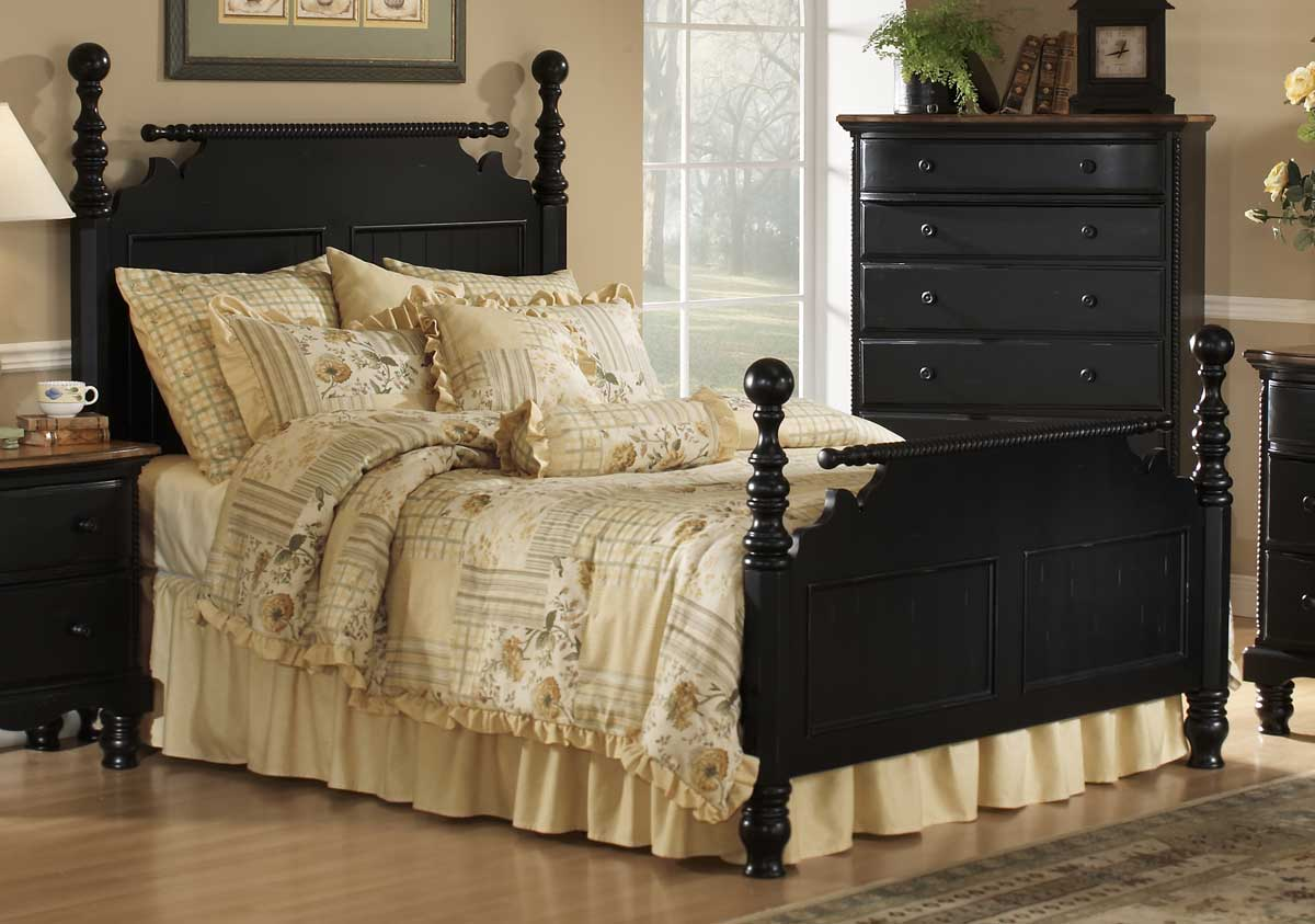 Hillsdale Wilshire Post Bed - Rubbed Black