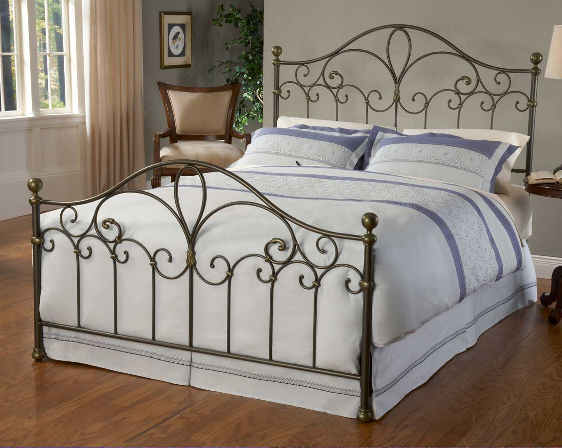 Hillsdale Meade Bed
