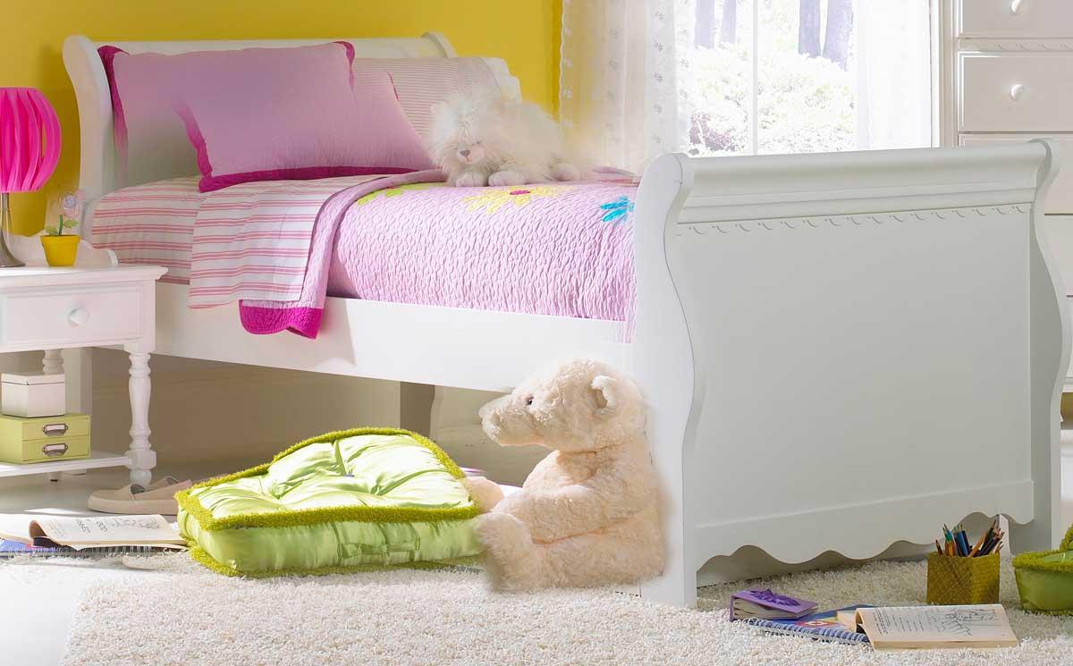 Cheap Hillsdale Furniture Lauren Sleigh Bedroom Set