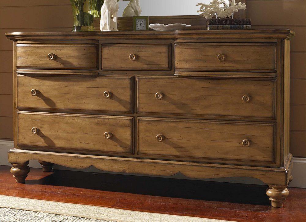 Hillsdale Hamptons Dresser - Weathered Pine