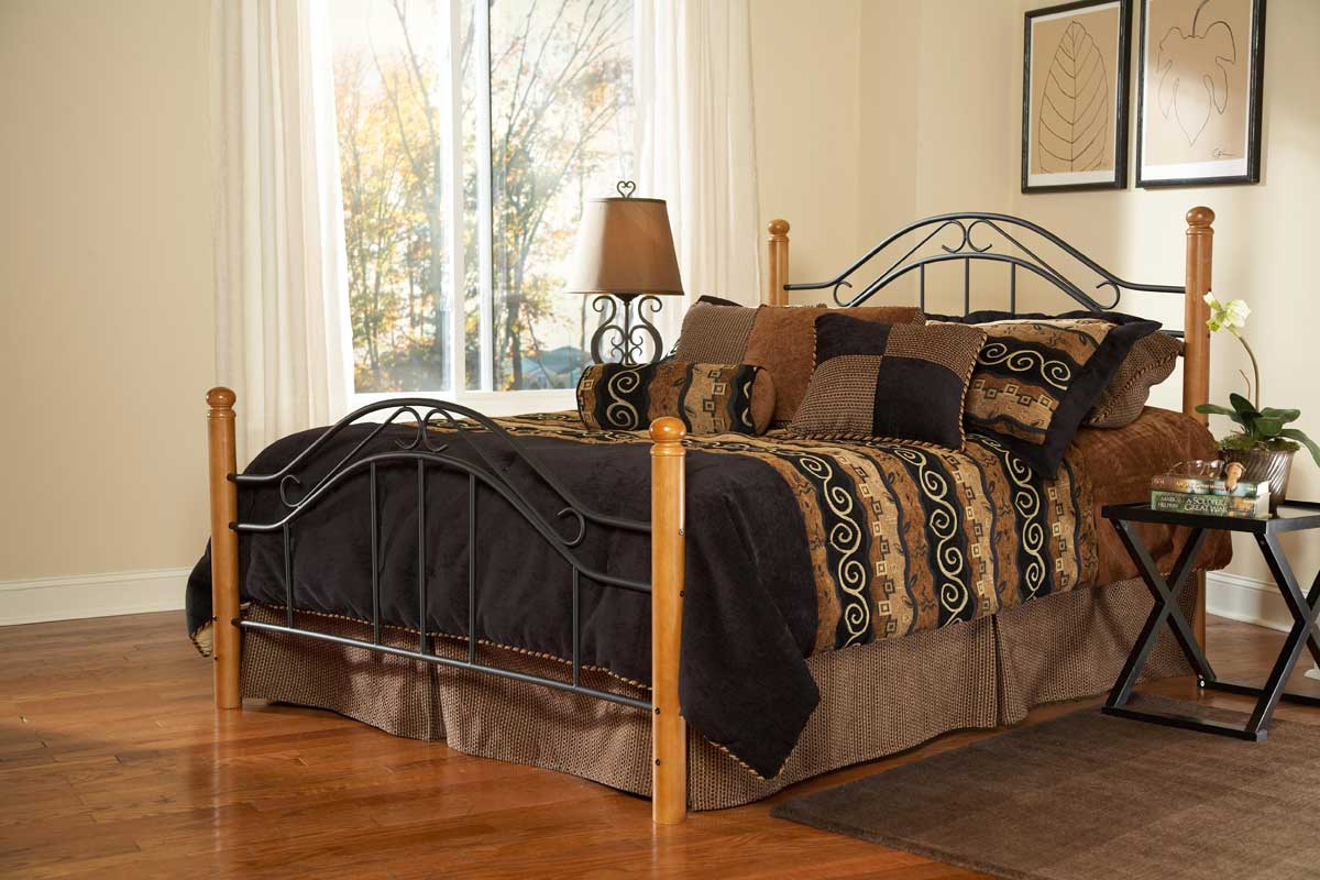 Hillsdale Winsloh Bed