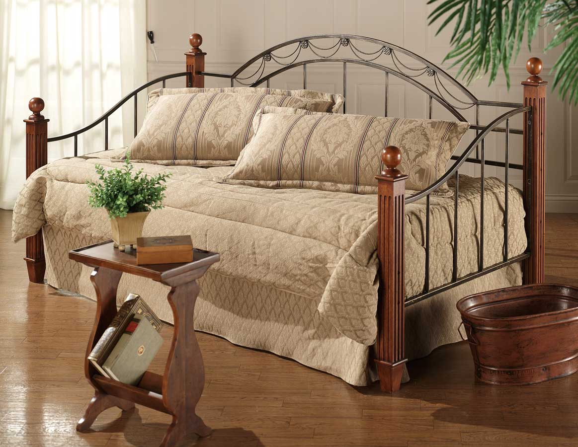 Hillsdale Camelot Wood Post Daybed