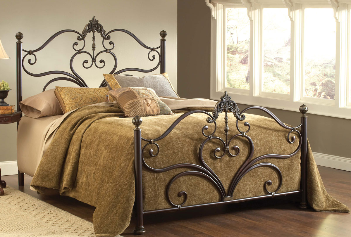 Hillsdale Newton Bed - Antique Brown Highlight