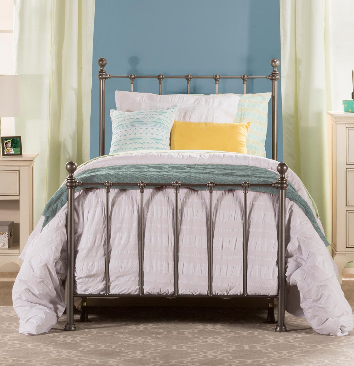 Hillsdale Molly Bed - Black Steel