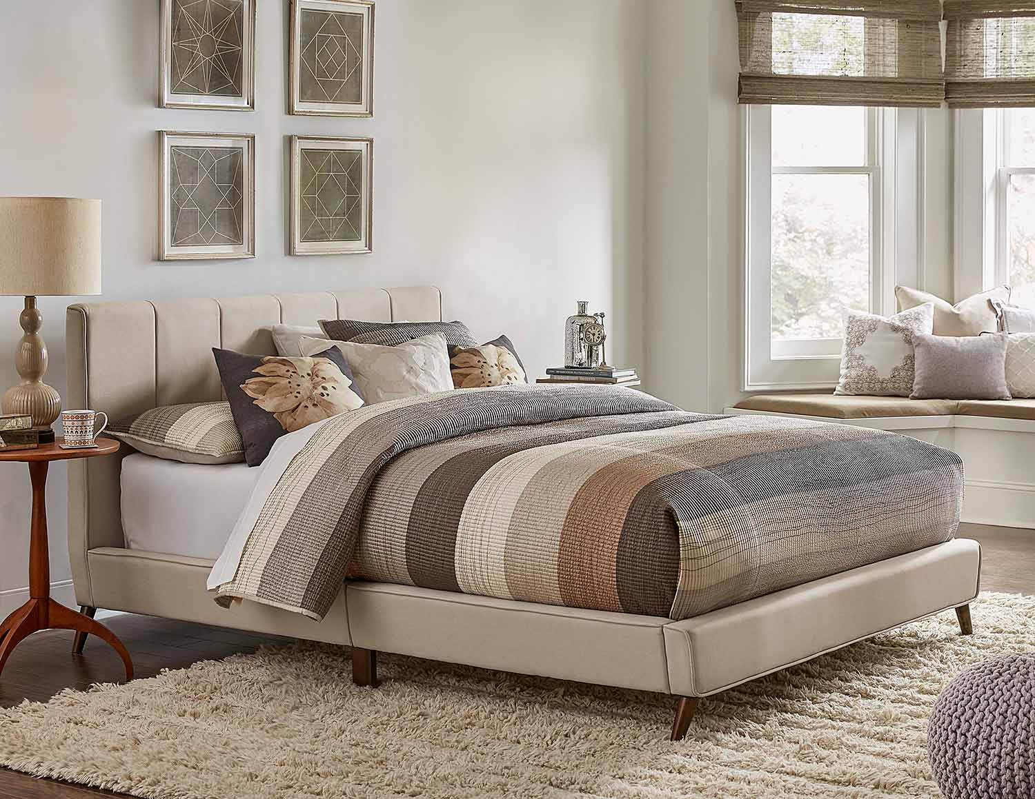 Hillsdale Aussie Upholstered Bed - Fog Fabric