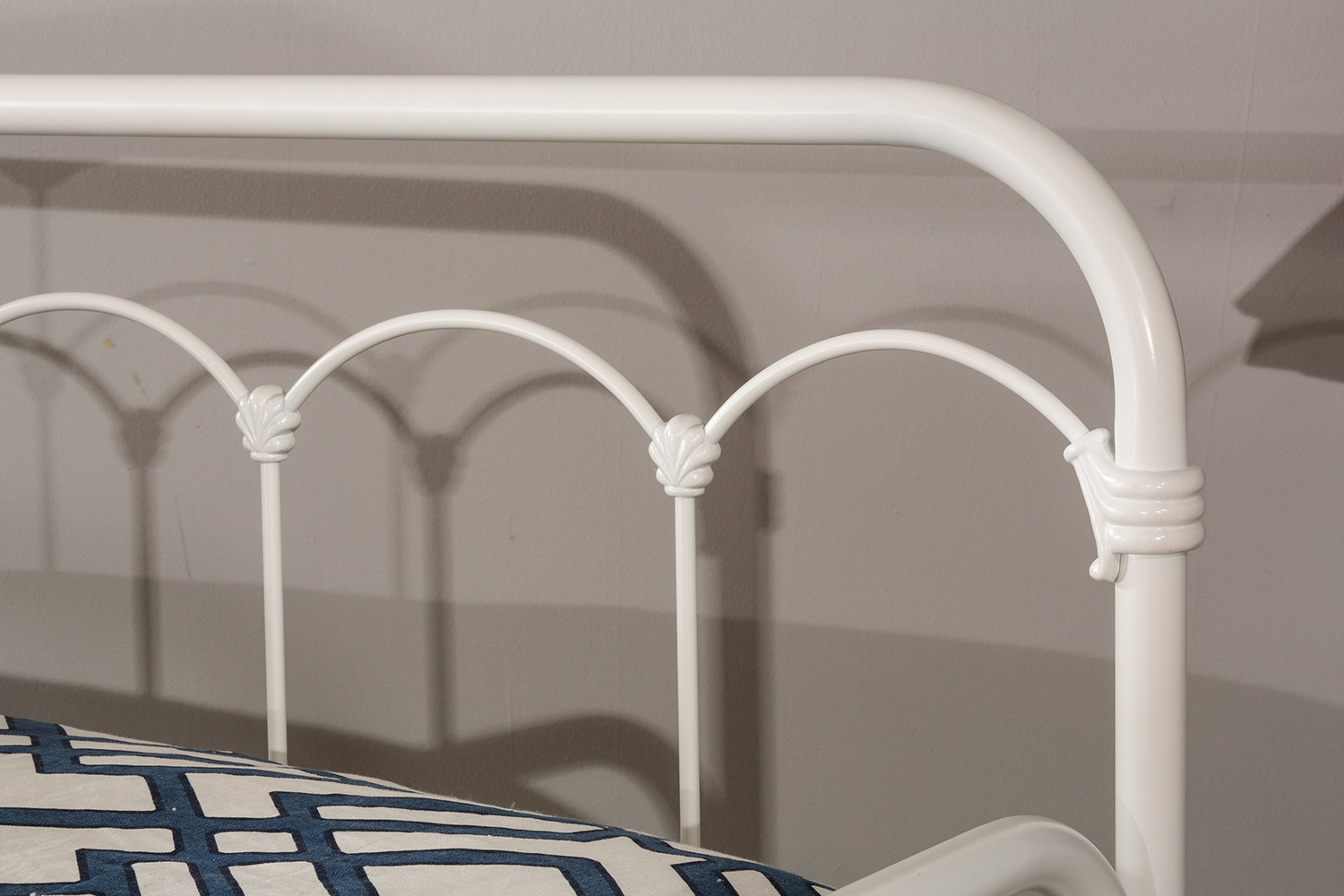 Hillsdale Jocelyn Daybed - White