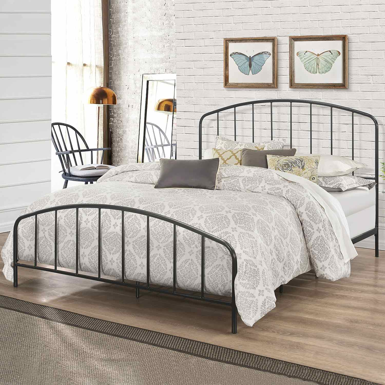 Hillsdale Tolland Metal Bed with Arched Spindle Design - Black