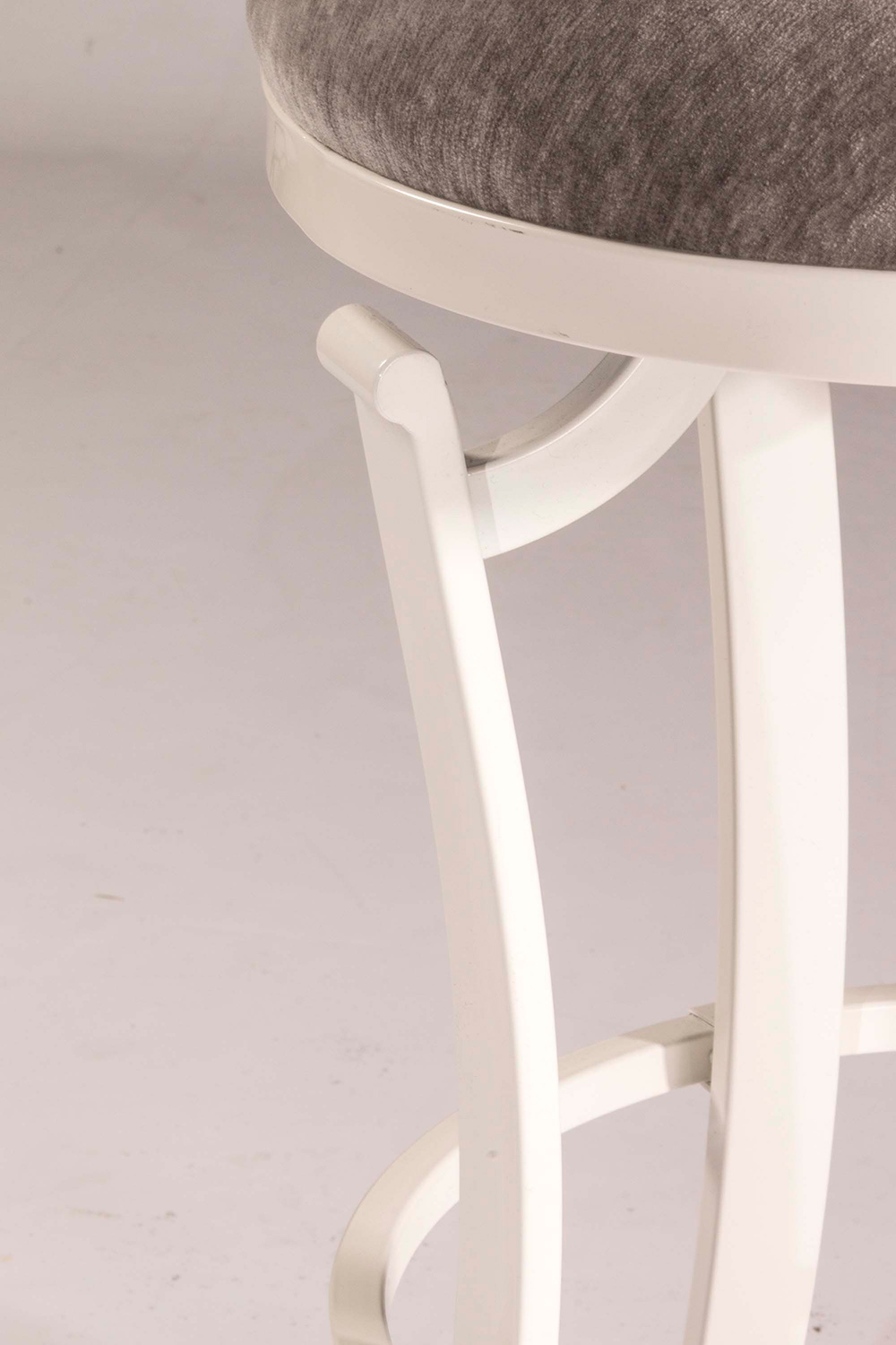 Hillsdale Kelford Swivel Backless Bar Stool - White - Paver Fabric