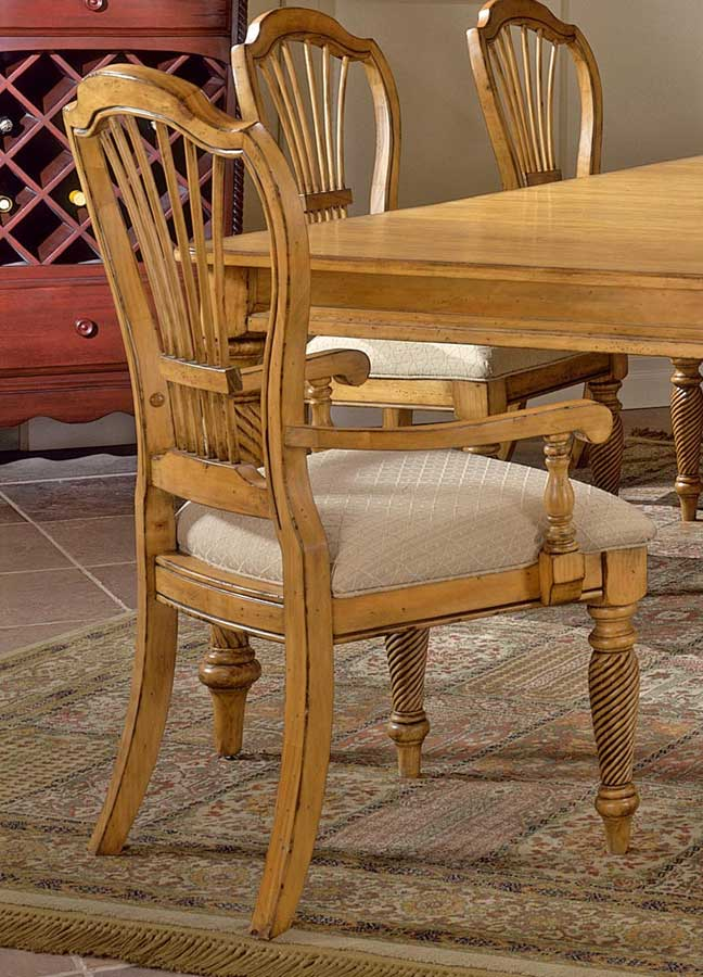 Cheap Hillsdale Furniture Wilshire Arm Chair – Antique Pine