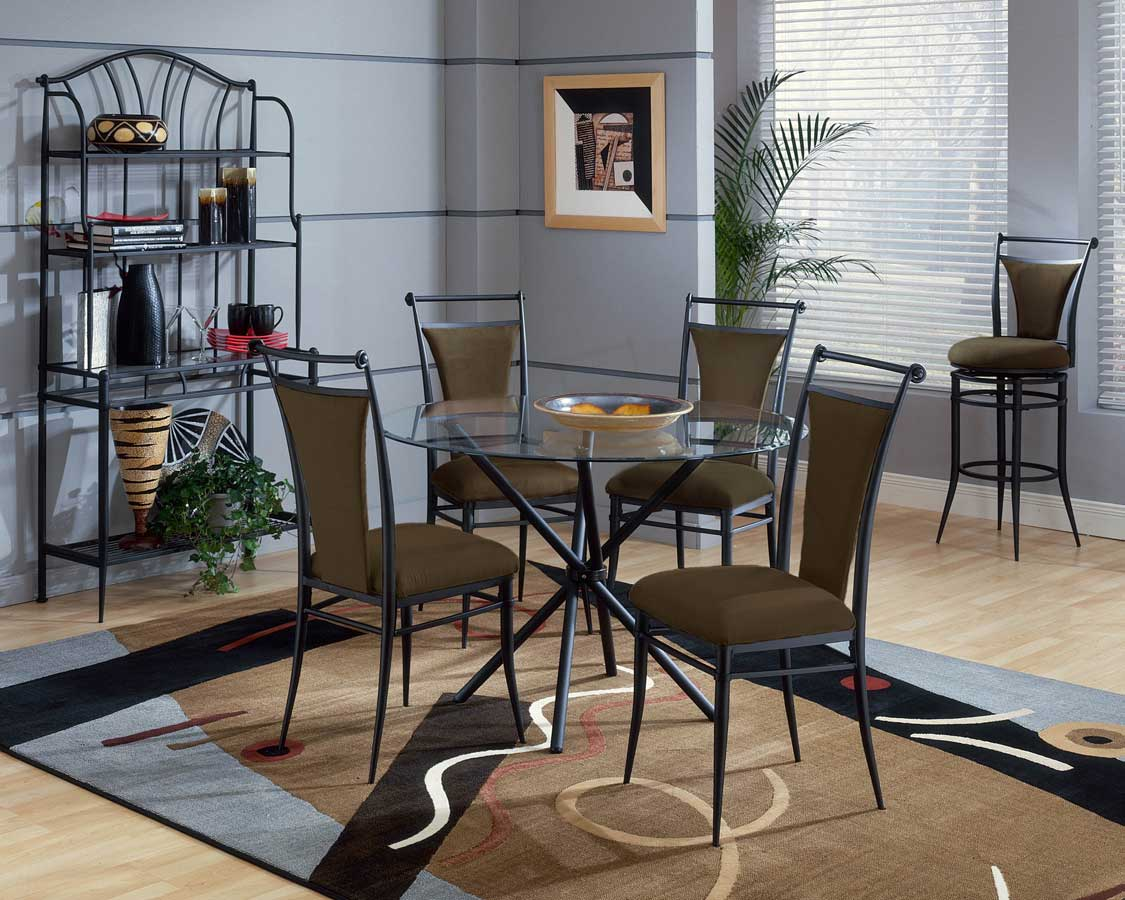 Hillsdale Cierra Round Dining Collection - Bear