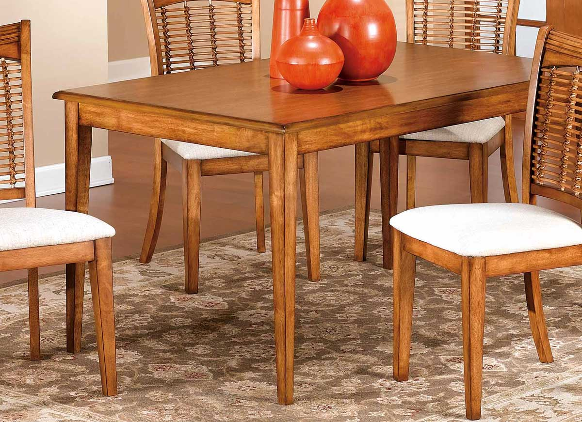 Hillsdale Bayberry Round Dining Collection Oak Hd