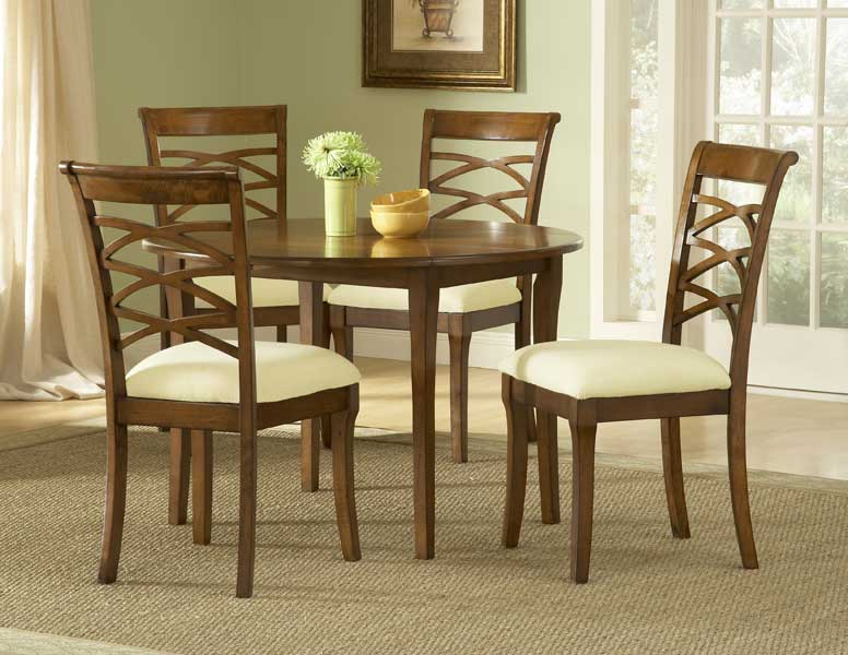 Hillsdale Tailored Collection Round Dining Set With Drop Leaf