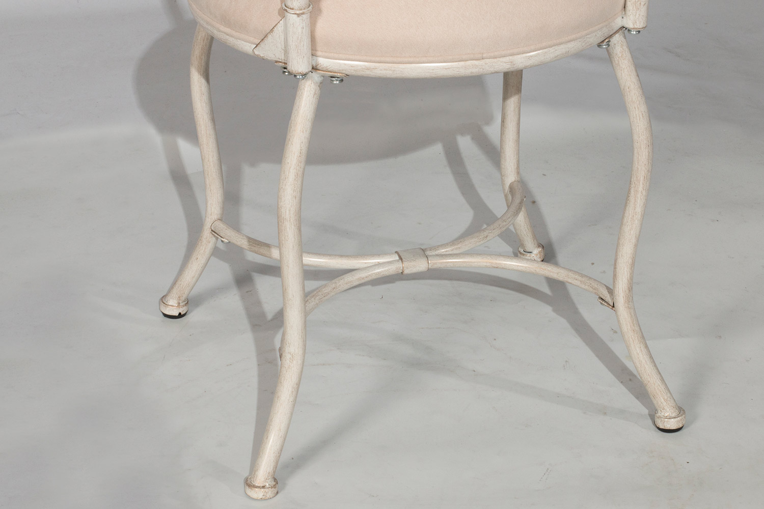 Hillsdale Sparta Vanity Stool - White with Gold Rub
