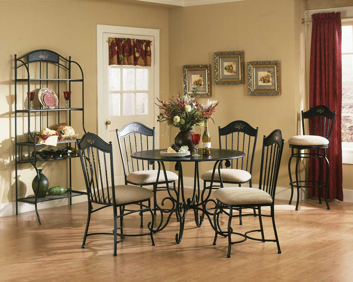 Hillsdale Macinac Dining Collection