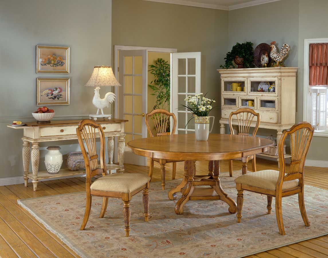 Hillsdale Wilshire Round Dining Collection - Antique Pine