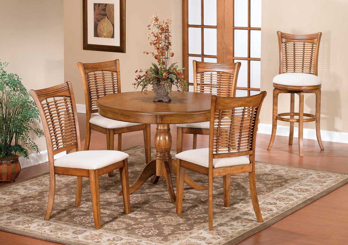 Hillsdale Bayberry Round Dining Collection - Oak