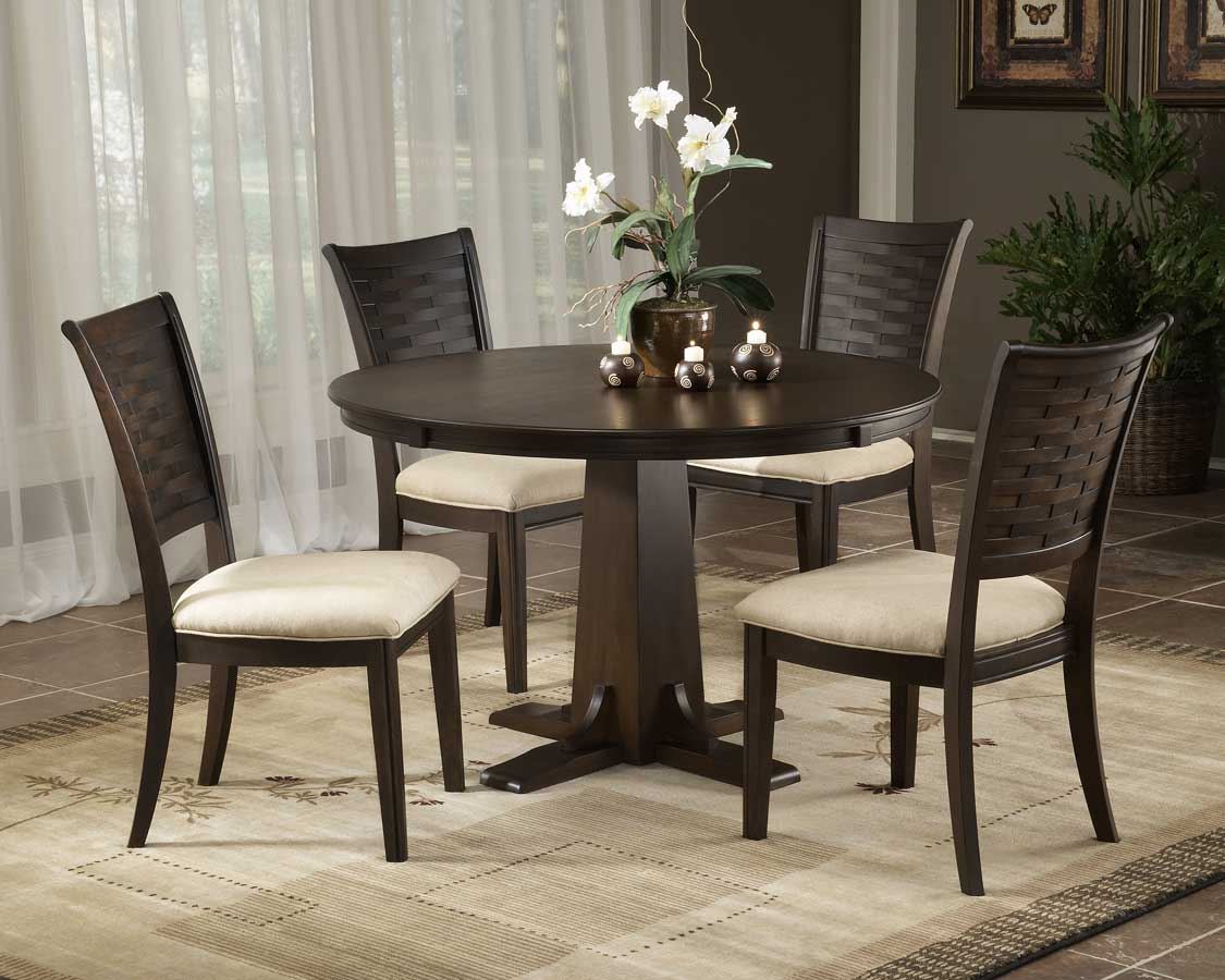 Hillsdale Oxmoor Round Dining Collection