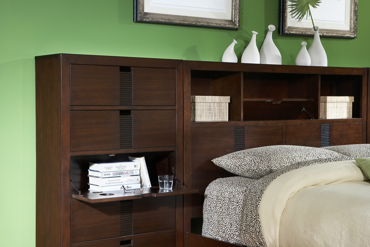 Homelegance Bridgewater Pier-Wall Chest for Bed