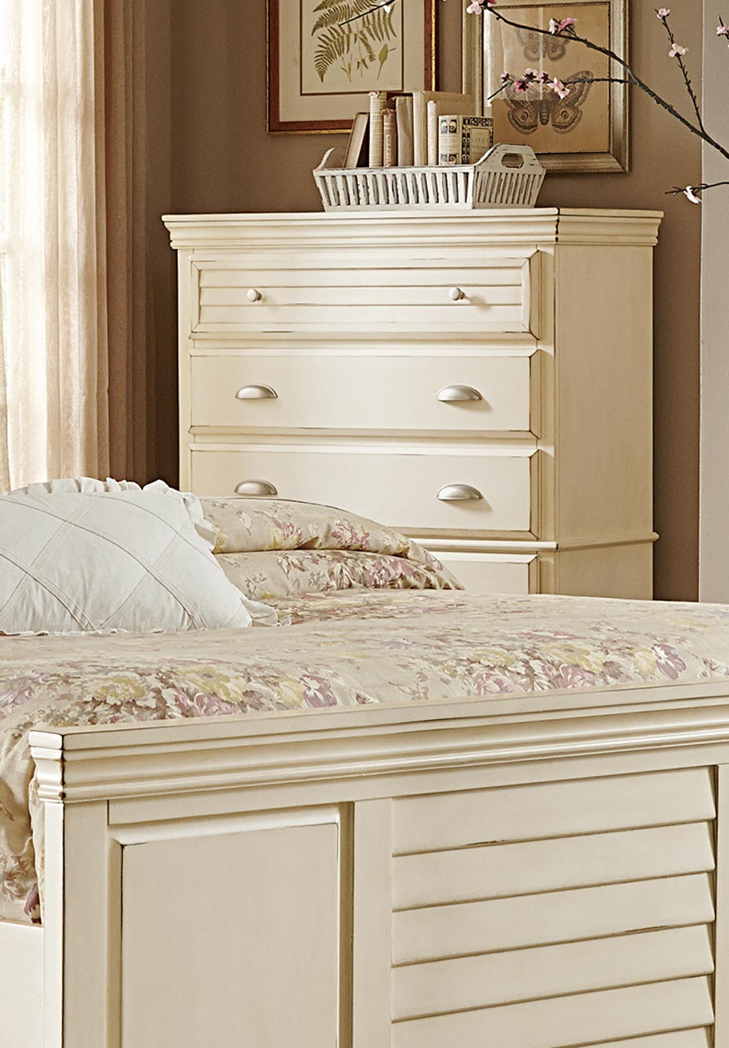 Homelegance Laurinda Chest - Antique White
