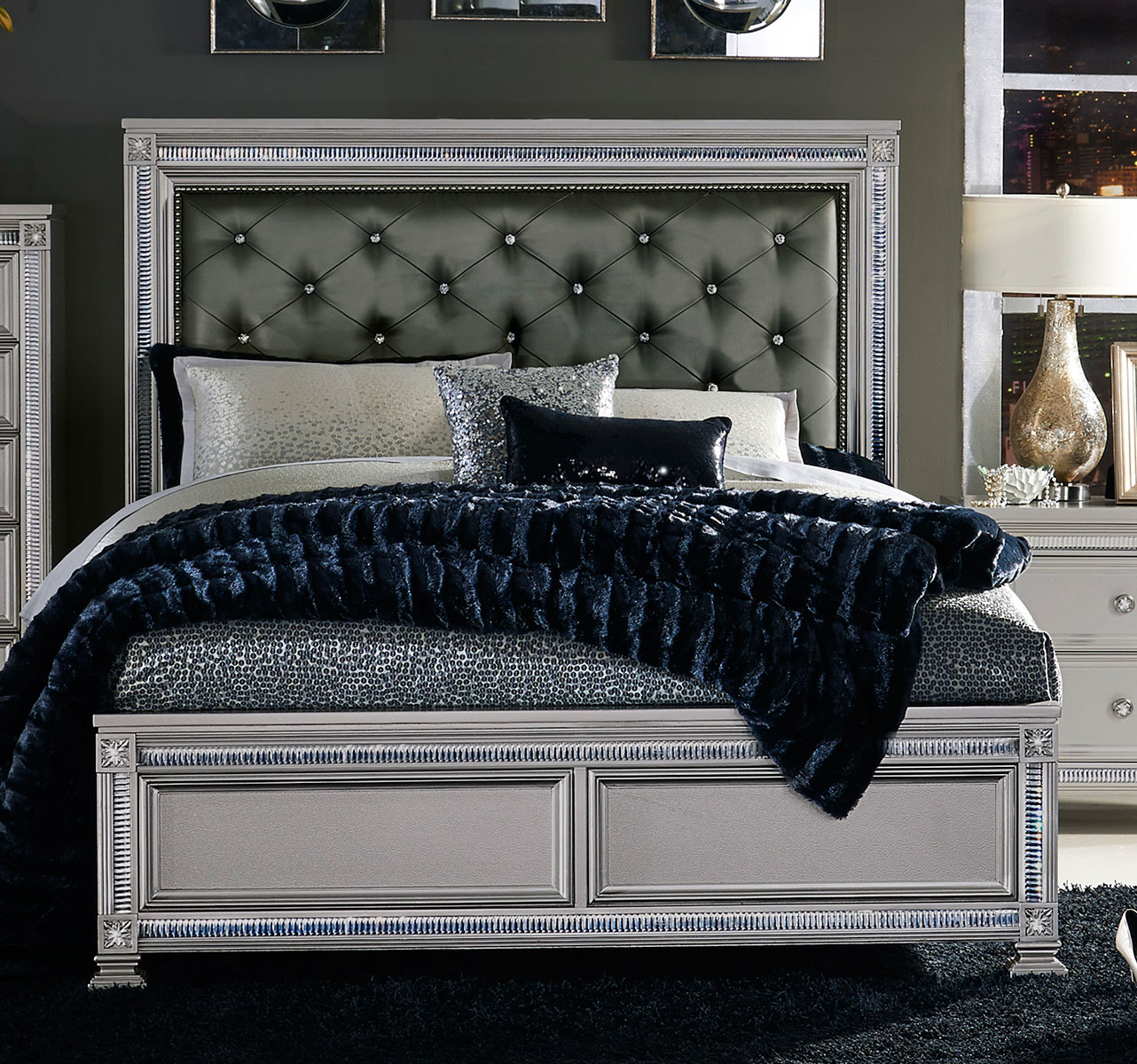 Homelegance Bevelle Button Tufted Upholstered Bed - Silver