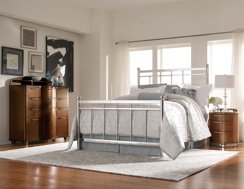Homelegance Zelda Chrome Bed Set - Chrome/Warm Cherry