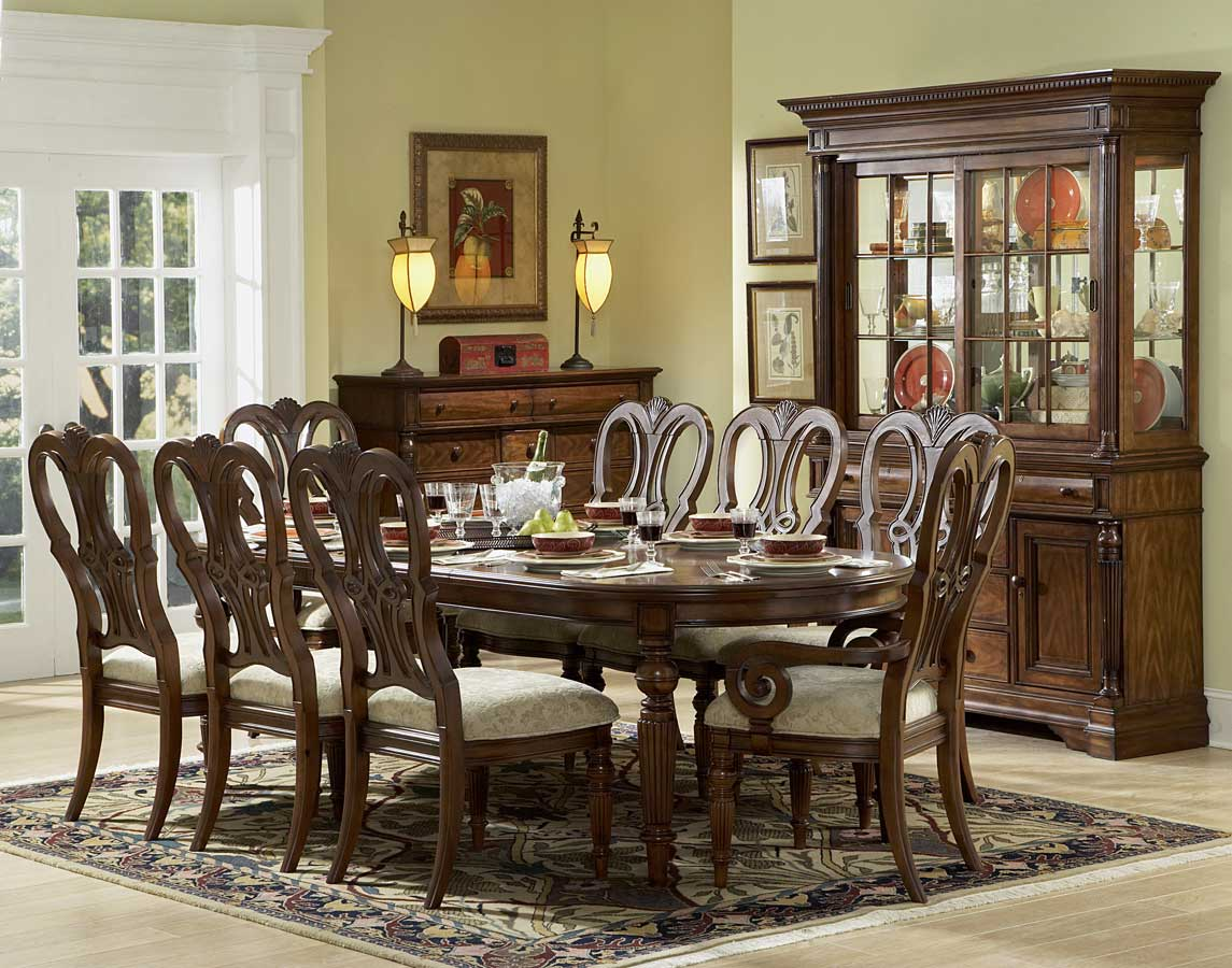 Homelegance English Manor Dining Set