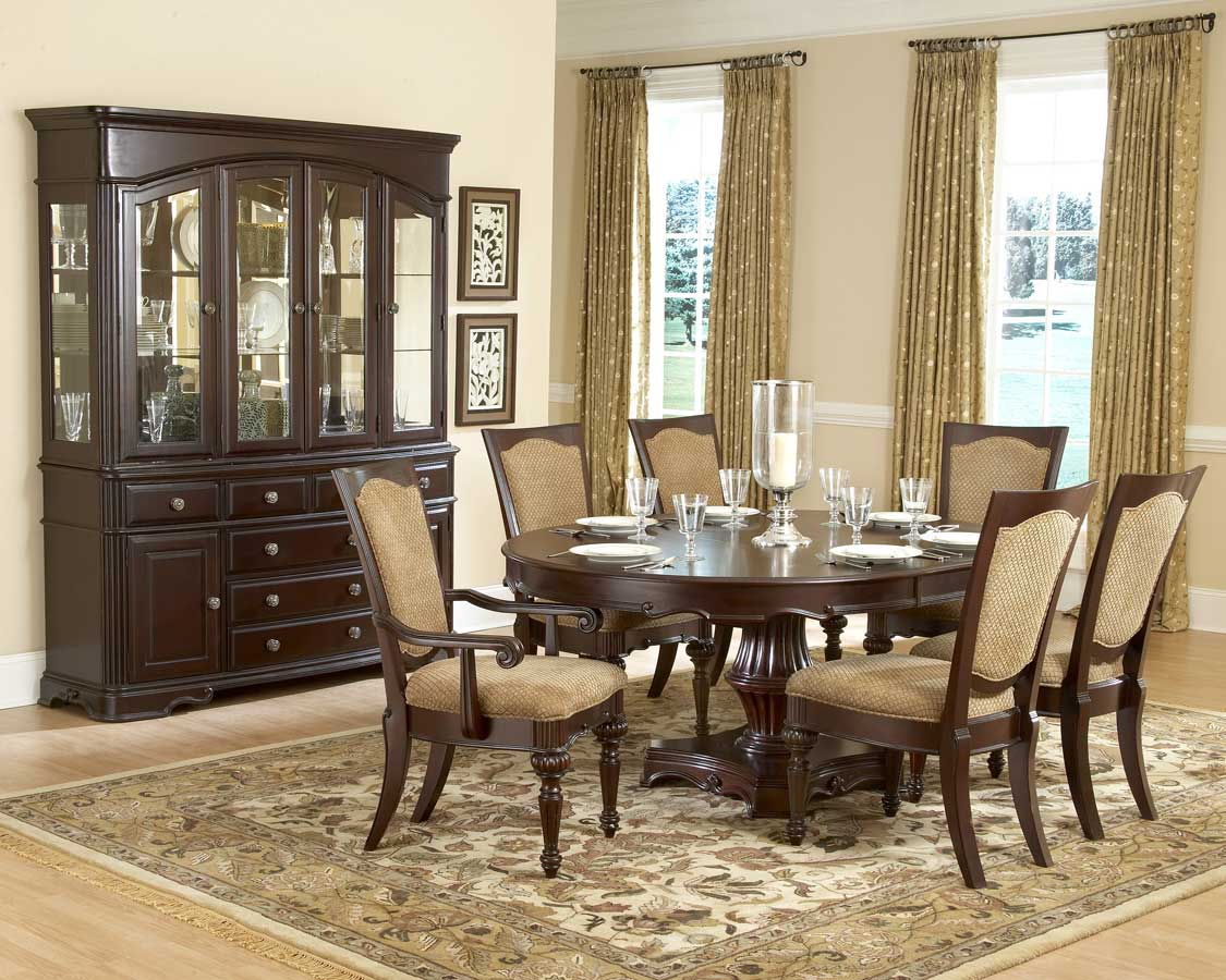 Homelegance Grandover Round Dining Collection