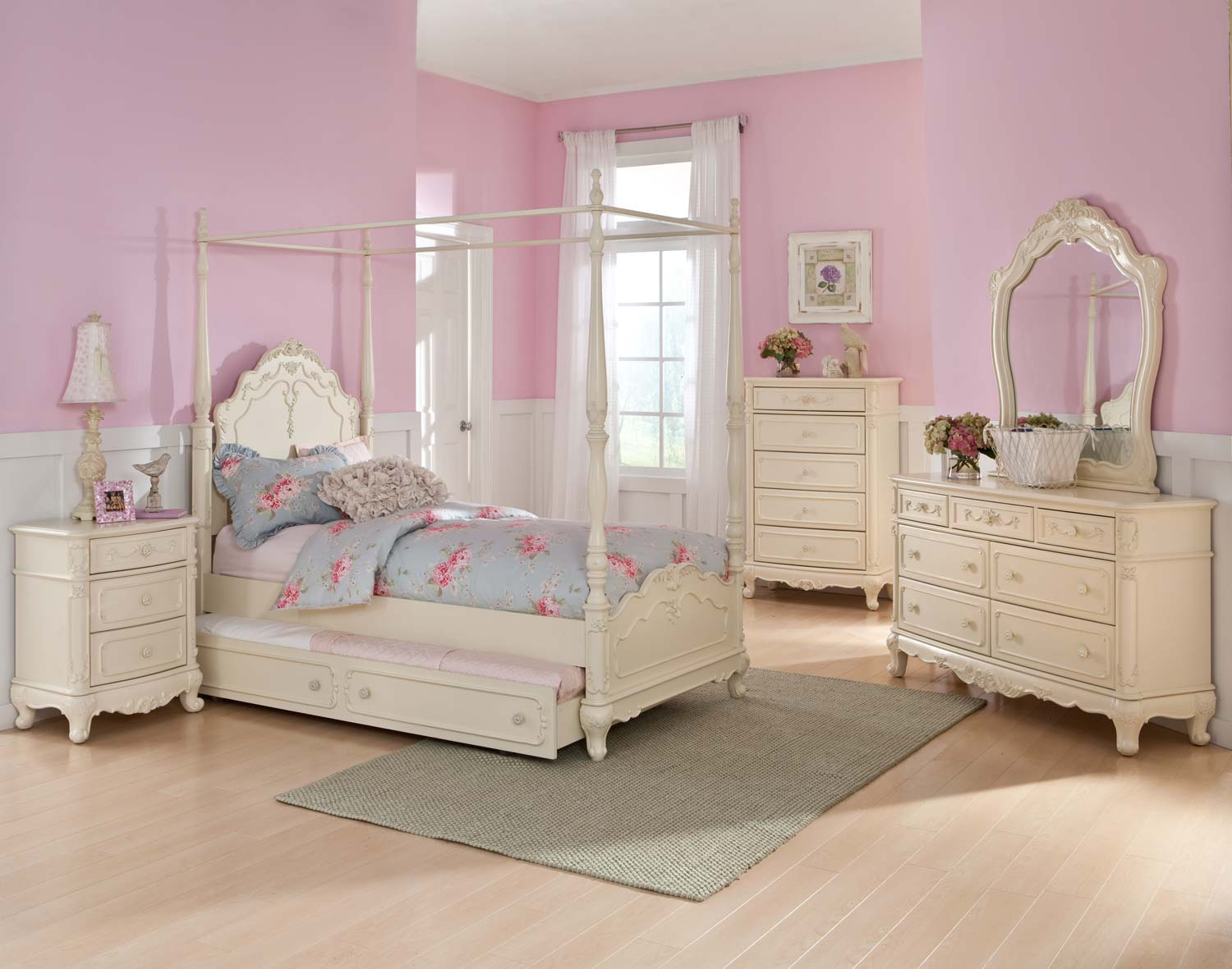 Homelegance Cinderella Poster Bedroom Set - Ecru