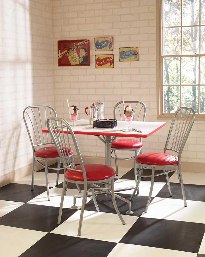Kitchen tables for small spaces kitchen tables for small for Small retro kitchen
