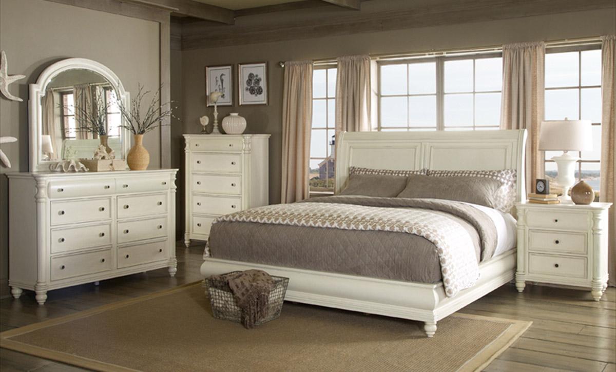 Klaussner Eastport Sleigh Bedroom Collection