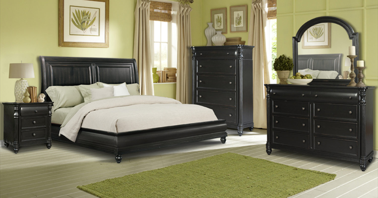 Klaussner Westport Sleigh Bedroom Set