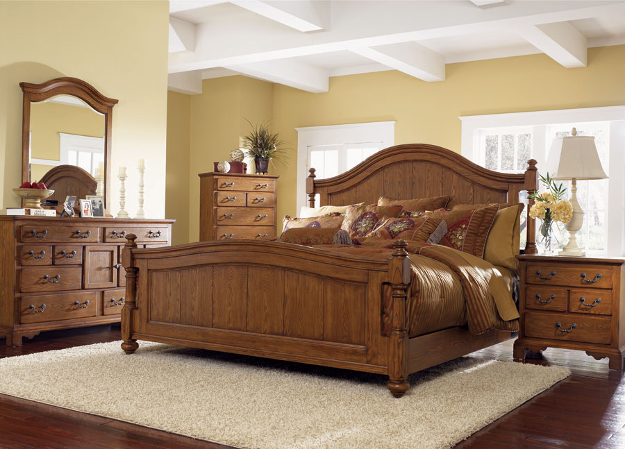 Klaussner Grand Oaks Bedroom Set
