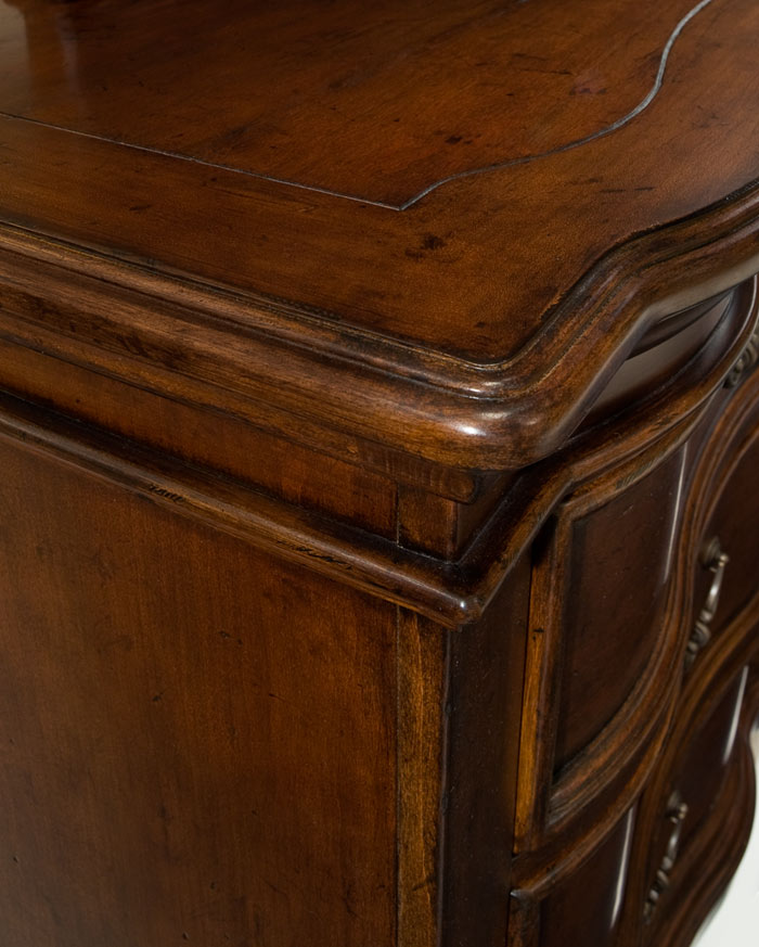 Legacy Classic Claremont Valley Dresser