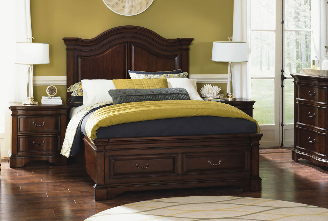 Legacy Classic Claremont Valley Panel Storage Bed