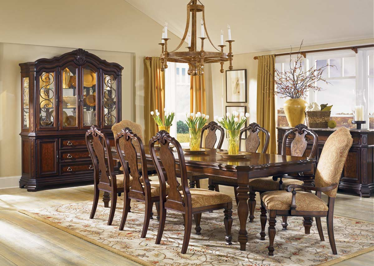 Legacy Classic Royal Tradition Rectangular Leg Dining Set