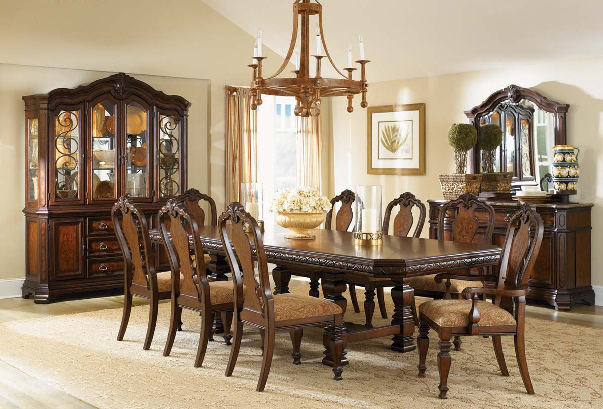 Wonderful Legacy Classic Royal Tradition Rectangular Trestle Dining Set