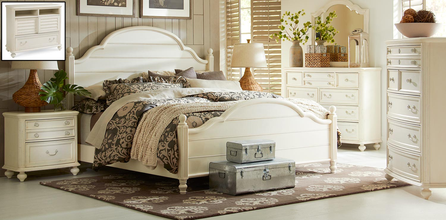 Legacy Classic Haven Poster Bedroom Set - Buttercream White/Slight Distressing