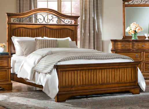 Legacy Classic Orleans Panel Bed