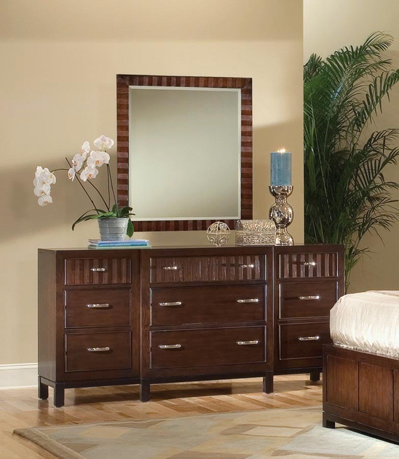 Legacy Classic Vista Dresser with Rectangular Mirror