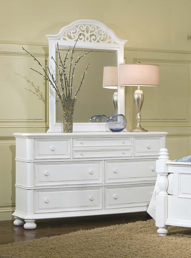 Legacy Classic South Hampton Dresser with Scroll Top Mirror