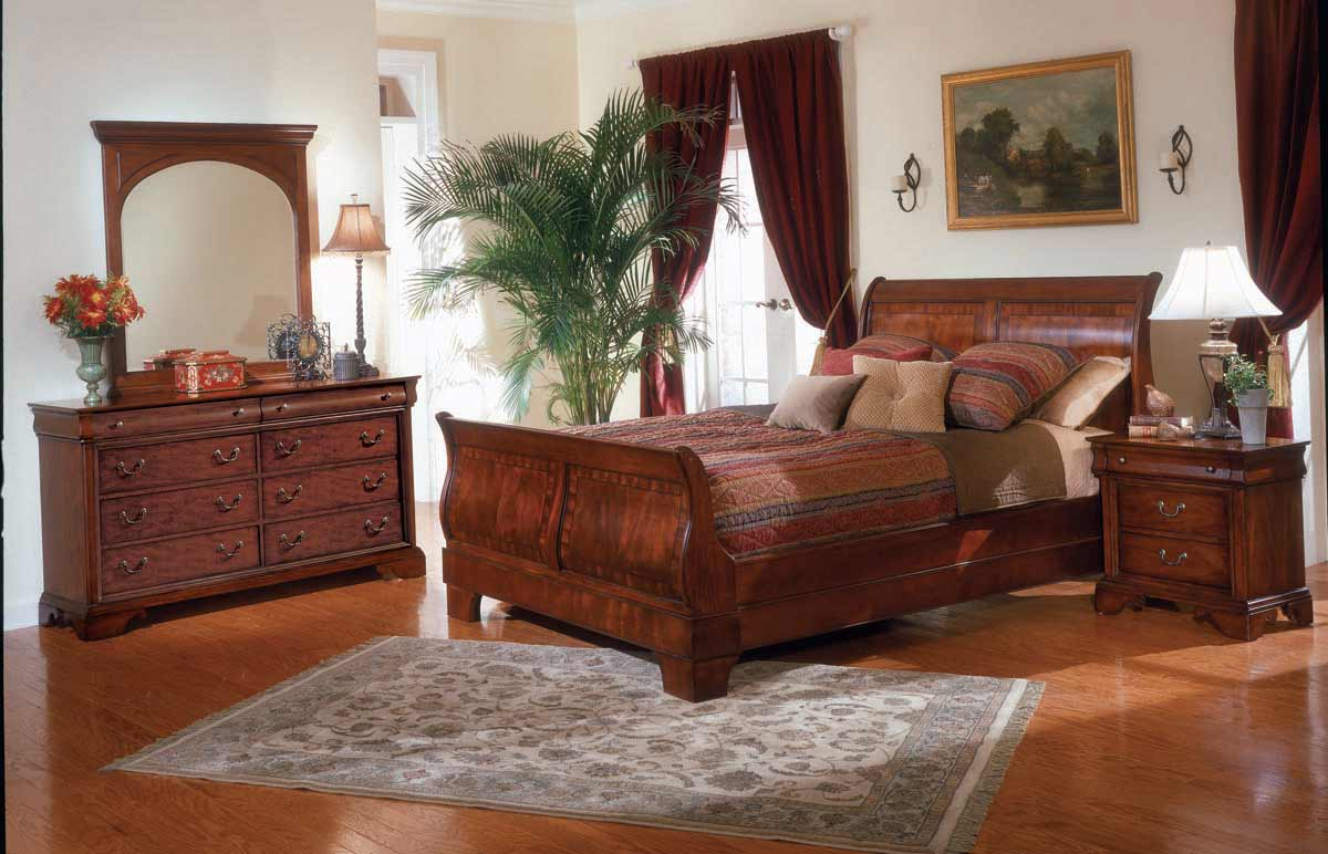 Legacy Classic Chateau Louis Sleigh Bedroom Collection