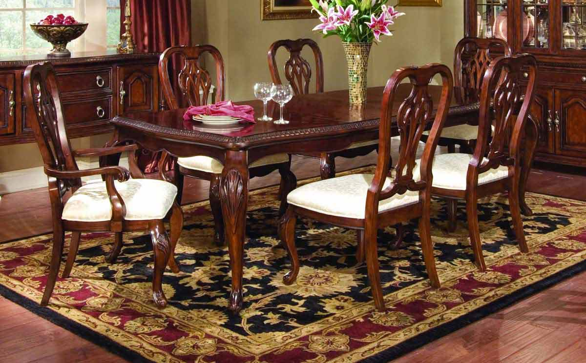 Legacy Classic Foxborough Leg Dining Collection