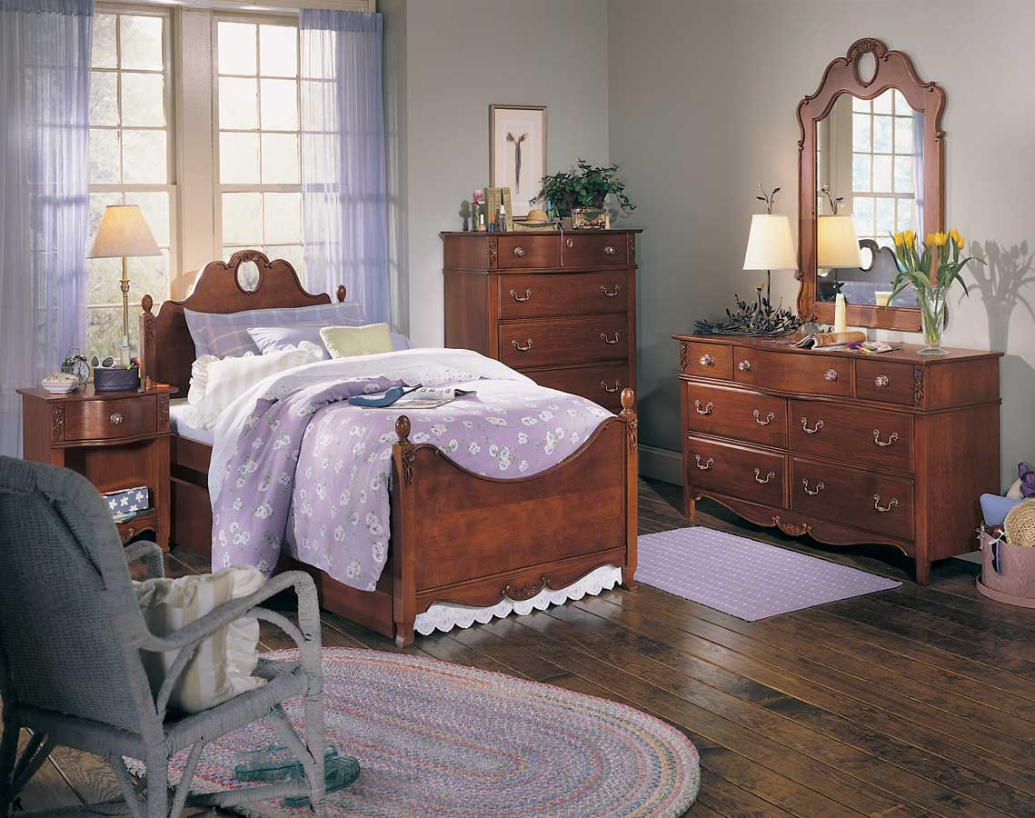 Lea Antique Treasures Panel Bedroom Collection Furniture